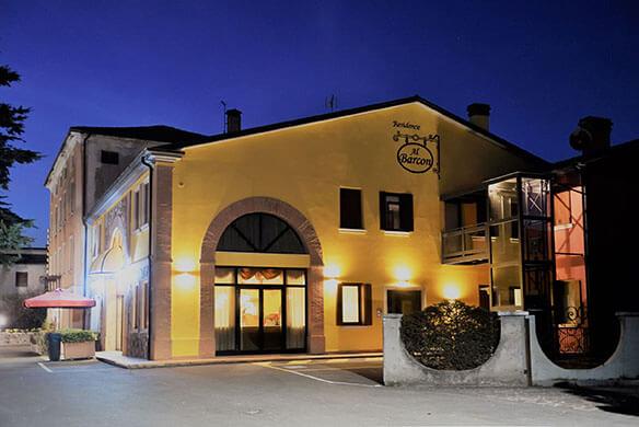 esterno notte Al Barcon Sarcedo Vicenza